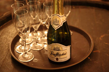 A Fünfkirchen márka még megmaradt - csak a buborék illant el.